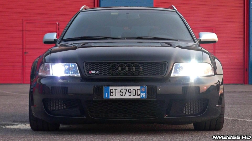 480HP Audi RS4 V6 Bi-Turbo Revs and Accelerations!