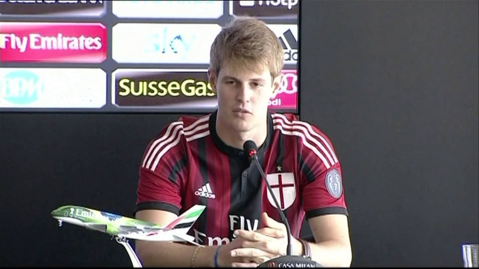 Club's new signings Agazzi & Albertazzi | AC Milan Official