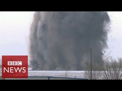 Explosive ice breaking in China – BBC News