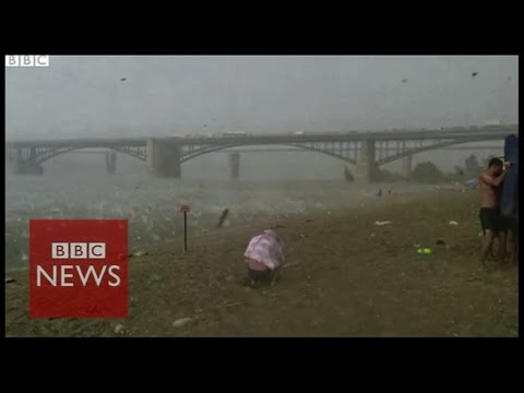 Freak hailstorm surprises Russian beach goers – BBC News