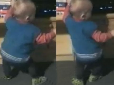 Funny Babies – Funny Home Videos – Funny Baby Shakes His Booty