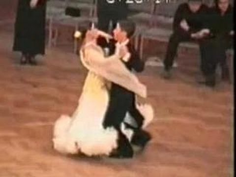 Funny ballroom dancing Accident