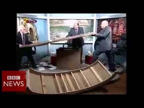 Jordanian guests destroy desk in TV row over Syria – BBC News