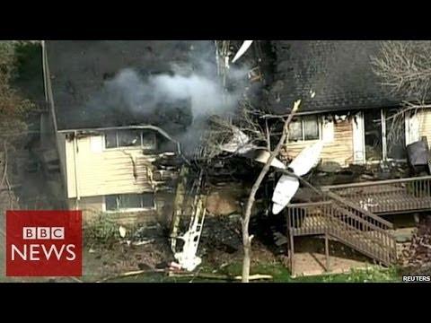 Plane crashes into a  Colorado house – BBC News