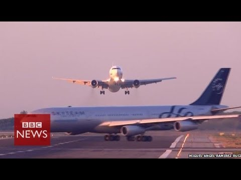Planes seconds from disaster at Barcelona airport – BBC News