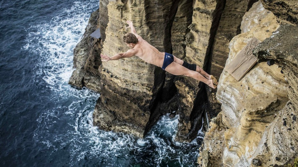 Preparing to cliff dive in Portugal – Red Bull Cliff Diving World Series 2014