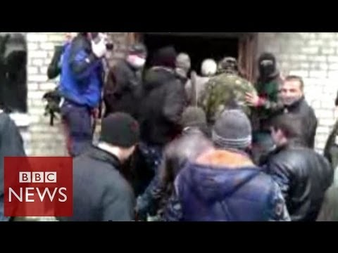 Pro-Russian activists storm police station in Ukraine's Horlivka – BBC News