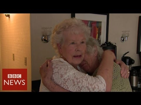 Record breaking twins meet after 78 years apart – BBC News