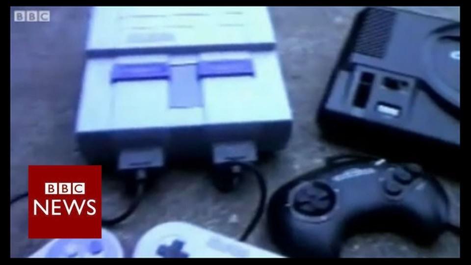 Sonic or Mario? It's Sega vs Nintendo console wars – BBC News