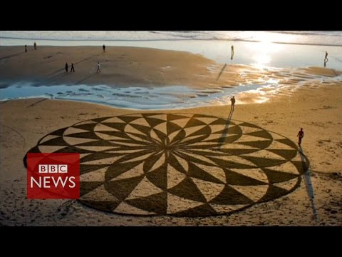 Spectacular artworks that get washed away – BBC News