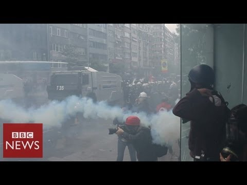 Tear gas & water cannons at Turkey's May Day protests – BBC News