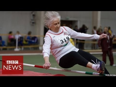 This 95 year old has 30 world records & 750 gold medals – BBC News