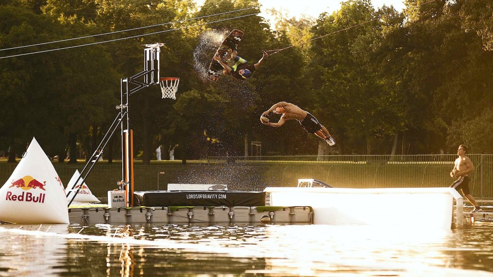 Acrobatic Basketball meets Big-Air Wakeboarding
