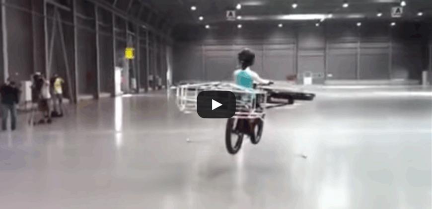 Finalmente è arrivata la prima bicicletta volante, da non credere.