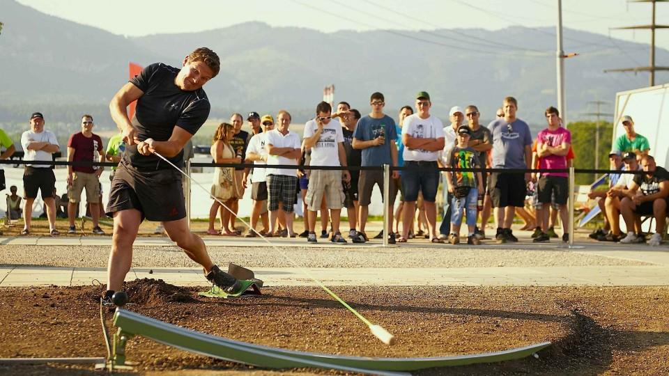 Farmers' Golf competition in Switzerland – Red Bull Hornussen
