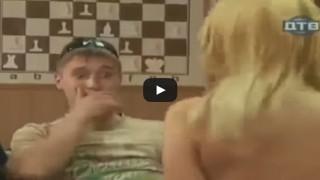 Giocare a scacchi barando è vittoria assicurata.