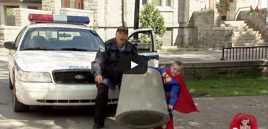 SuperBaby, un bimbo con la forza da super eroe.