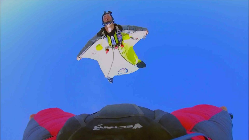 Wingsuit 4-cross race final round – Red Bull Aces 2014