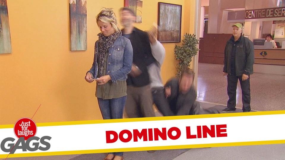 Domino Waiting Line