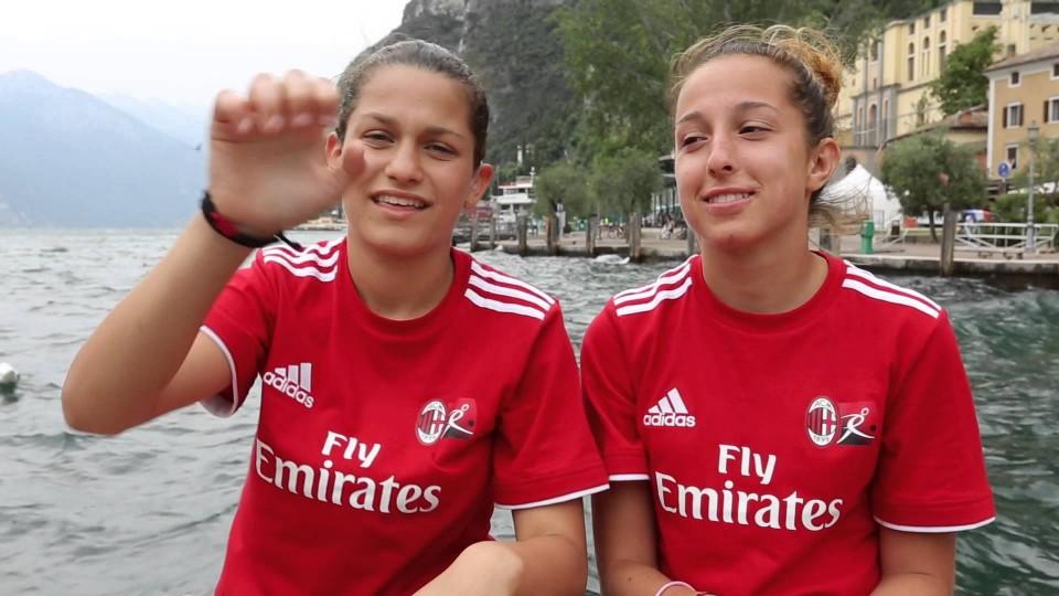 Giocare insieme nella stessa lingua | AC Milan Official