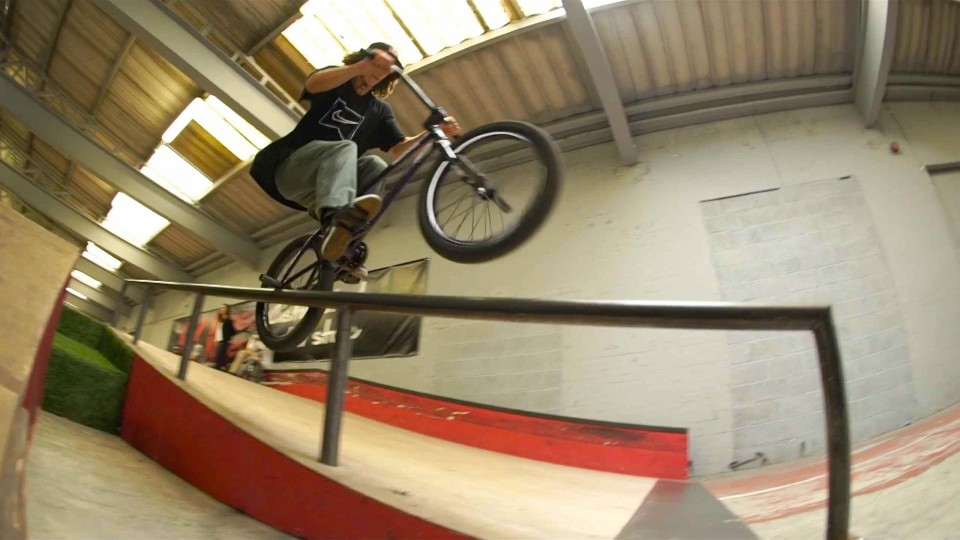 BMX Park Sessions in the UK – Red Bull Hero Tour