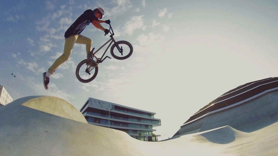 BMX Street Riding with Kriss Kyle at the StreetDome