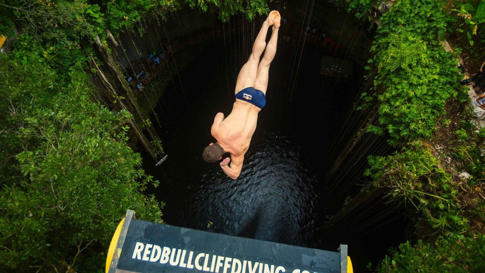 Cliff Diving in the Yucatán Peninsula – Red Bull Cliff Diving World Series 2014