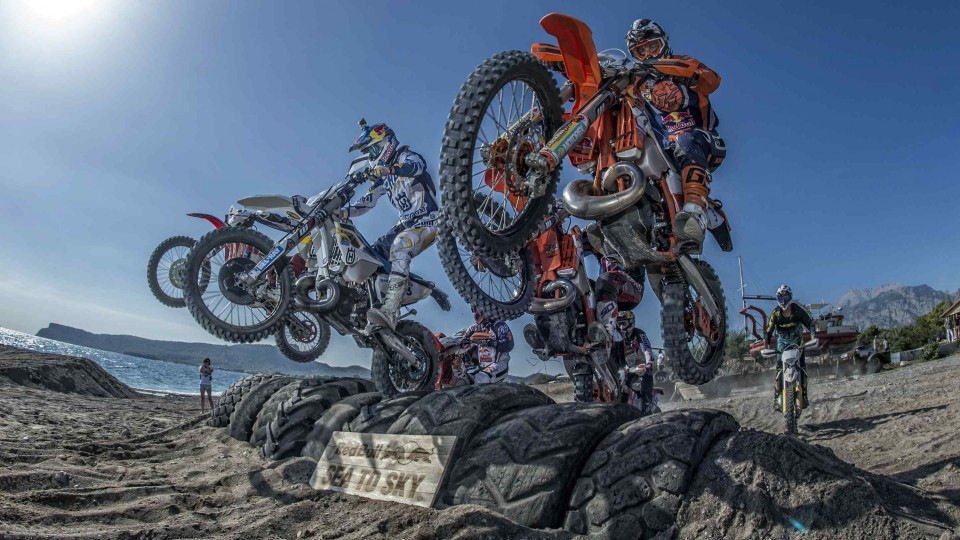 Extreme Enduro Racing on Turkish Beaches – Red Bull Sea to Sky Day 1