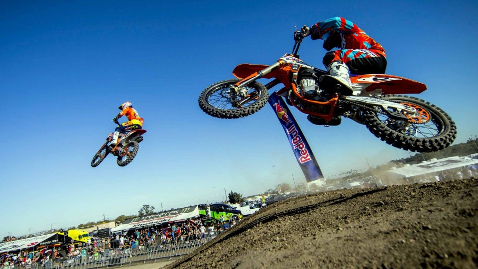 Racing on A Half-mile Supercross Rhythm Section – Red Bull Straight Rhythm