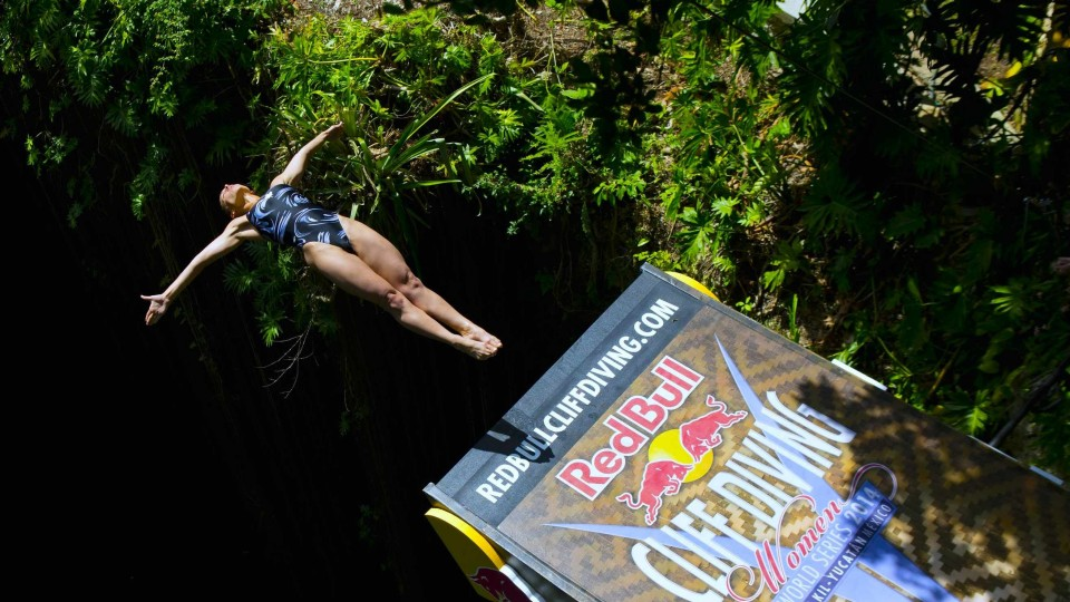 Yucatán Jungle Cliff Diving – Red Bull Cliff Diving World Series 2014