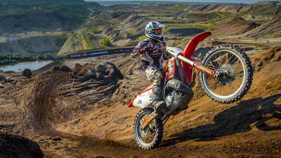 Hard Enduro Racing through a Coal Mine – Red Bull 111 Megawatt