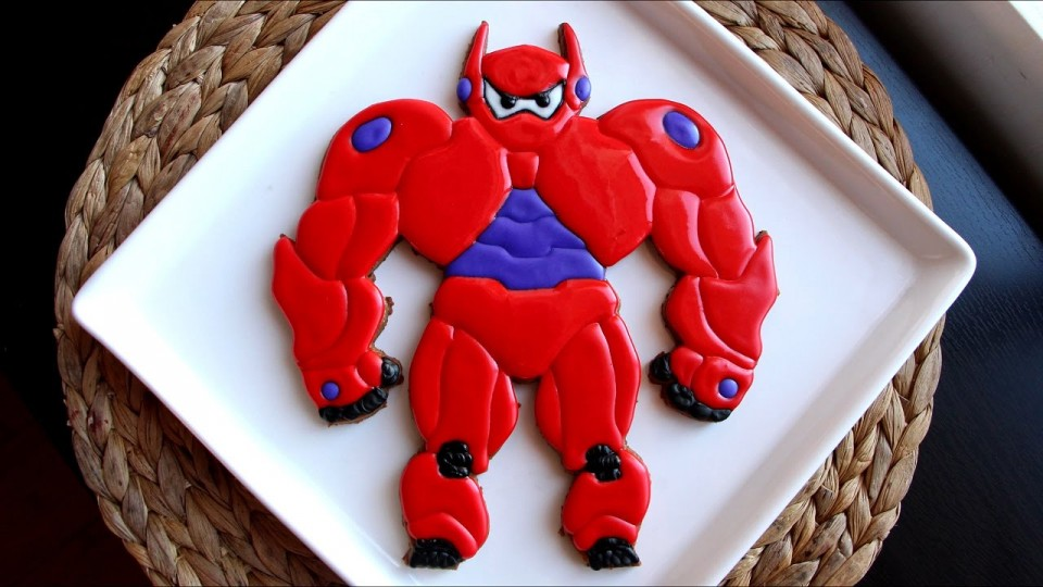 How to Make an Amored Baymax Gingerbread Cookie | PEOPLE