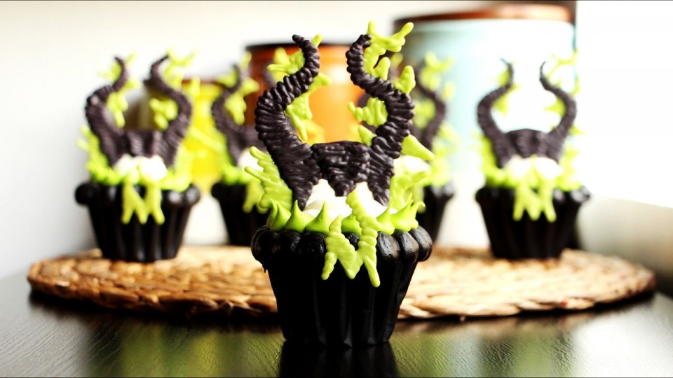 """Learn How to Make These """"Maleficent"""" Cupcakes For An Awards Party 