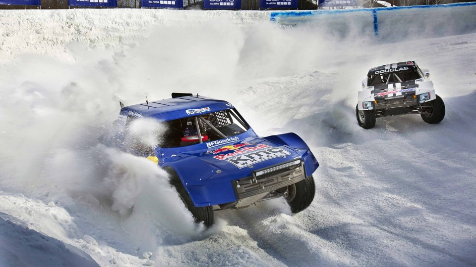 Offroad Racing Pro4 Trucks on a Ski Slope