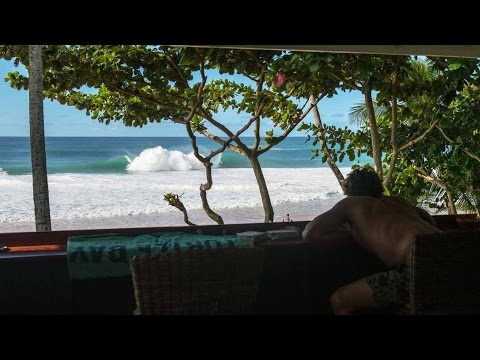 Big Swells and Bigger Wipeouts – 21Days: Volcom Pipe Pro – Ep 3