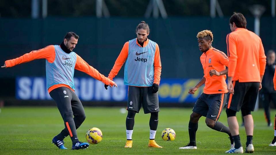 La Juventus al lavoro, Caceres e Matri in gruppo – Caceres and Matri return