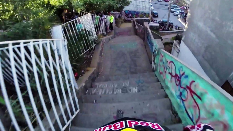 Insane Urban DH Mountain Bike POV – Red Bull Valparaiso Cerro Abajo 2015