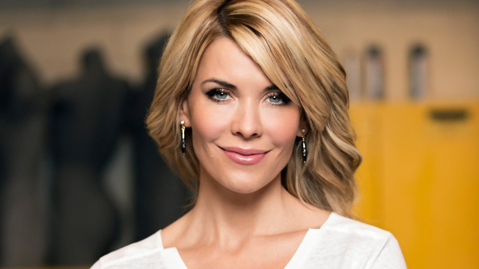 McKenzie Westmore Shows Us How To Give An Egg White Facial | Celeb Style | PEOPLE